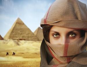 469546607 TS Pyramids -Womancrop