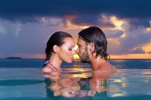 TS-112124384 Couple in Water