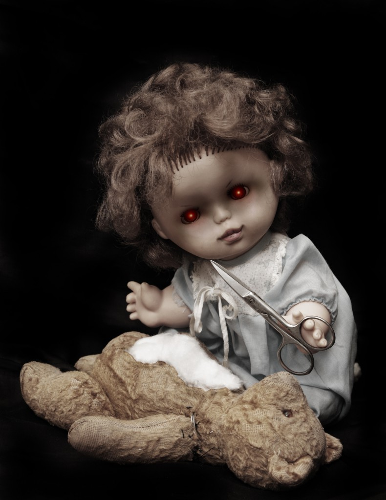 Dark series - vintage killer doll